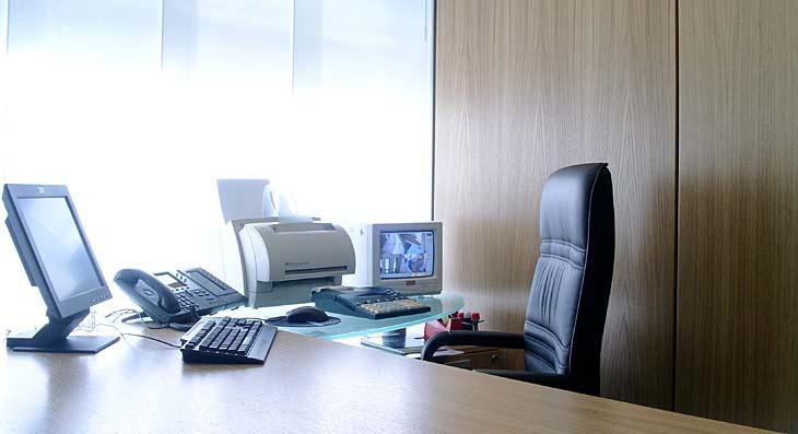 Contract arredamento ufficio direzionale
