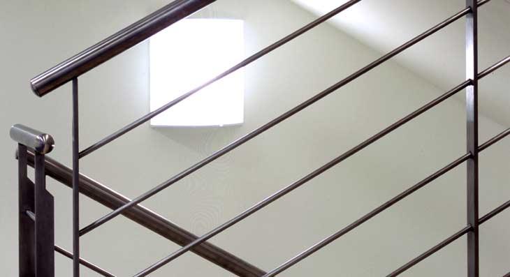 Lampade per illuminazione scala uffici banca