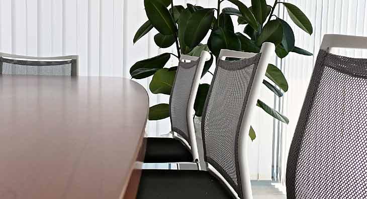 Sedie per allestimento sala riunioni